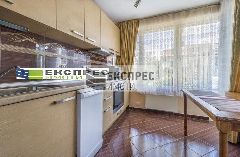 Нов, обзаведен, луксозен Тристаен апартамент